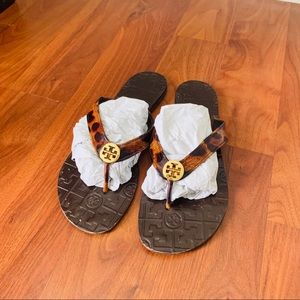 Tory Burch flat sandals sz 9